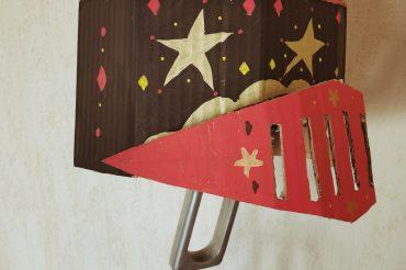 Le Manoir à la maison : atelier heaume en carton